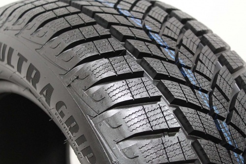 Goodyear UltraGrip Performance+ 205/50 R17 93V XL FP